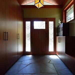 玄関収納スモールウッド邸