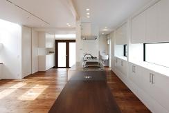 キッチン&ダイニングGENの家